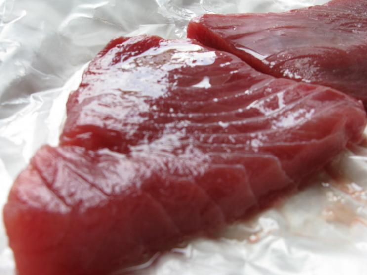 Tonno fresco e di prima qualità per la tagliata di tonno al sesamo