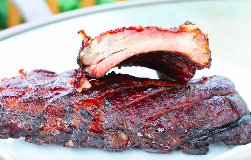 Barbecue nel mondo: ribs affumicate