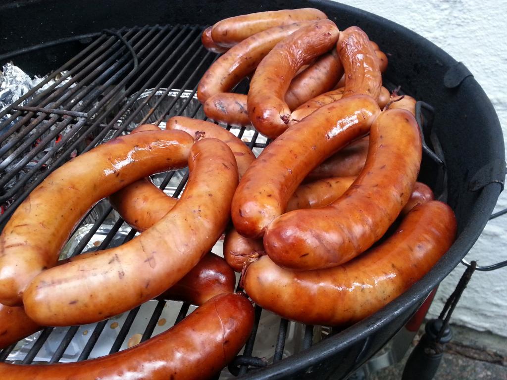 barbecue in europa - bratwurst - bockwurst
