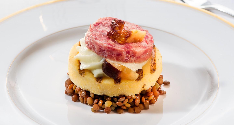 crostone di polenta con cotechino