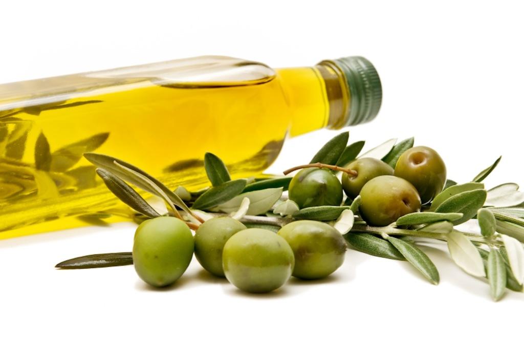 Olio extravergine d'oliva prodotto negli oliveti del Cilento