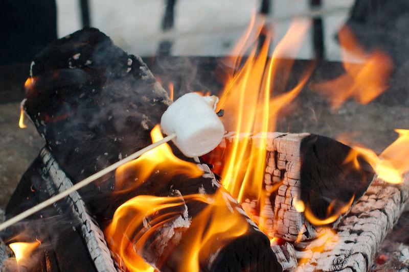 cucina con il camino i marshmallow